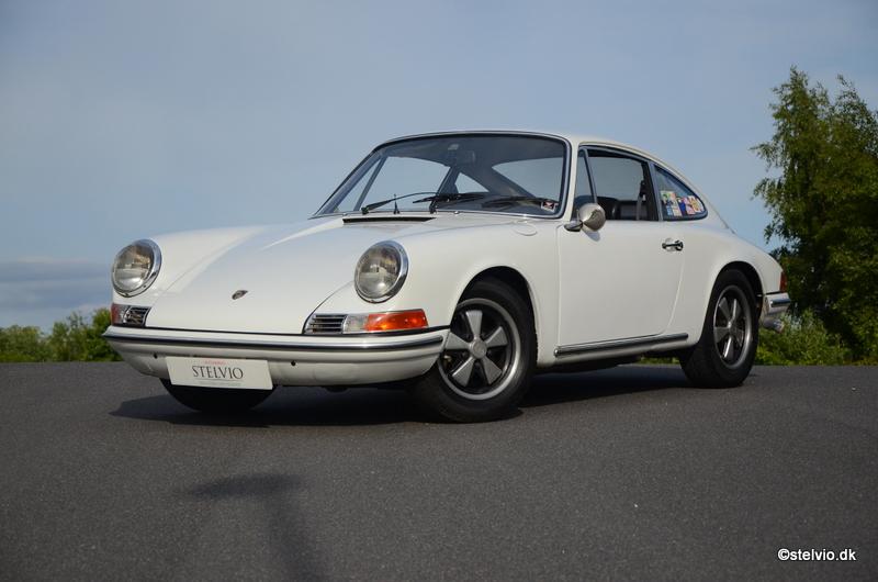Porsche 911 2.2T